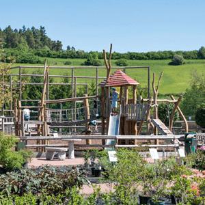 Spielplatz für Kinder und Ausflugsziel, Weißers Floraparadies Schabenhausen